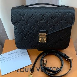 Authentic Louis Vuitton pochette metis emp